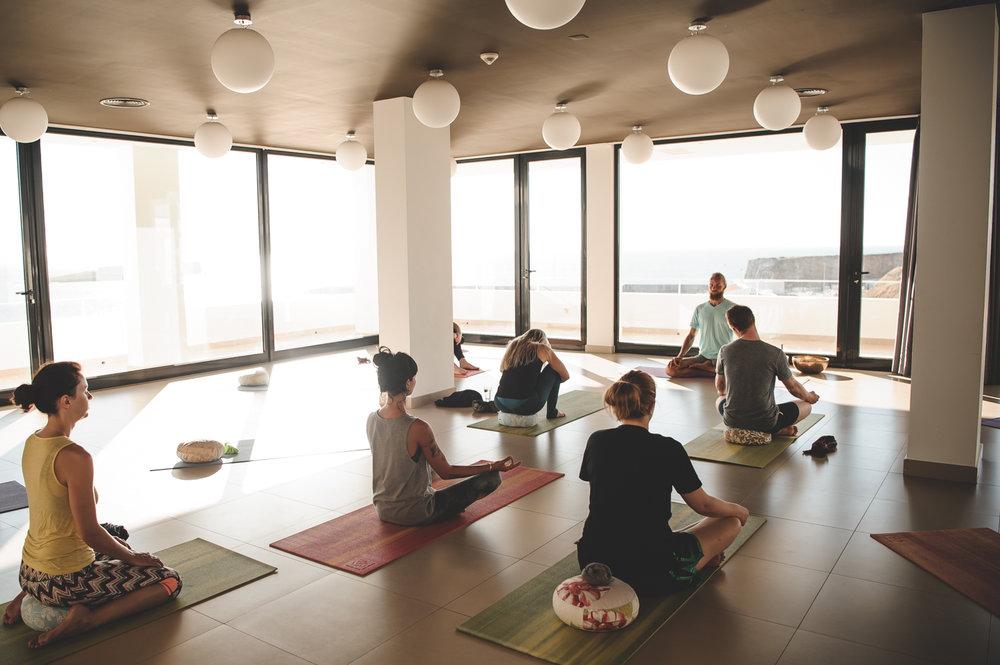 yoga week Sagres