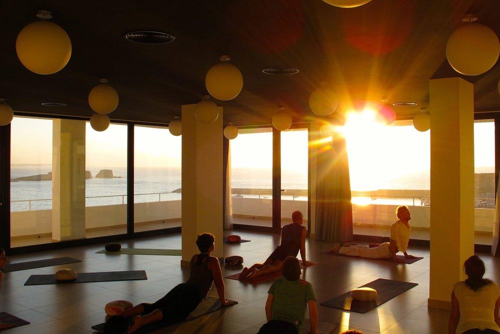 yoga retreat Algarve view