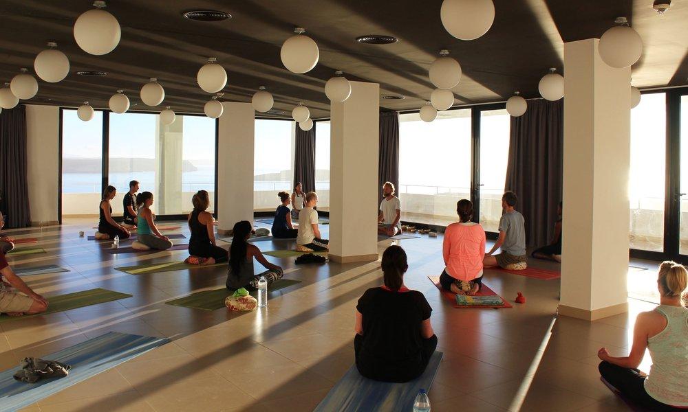 yoga classes Sagres