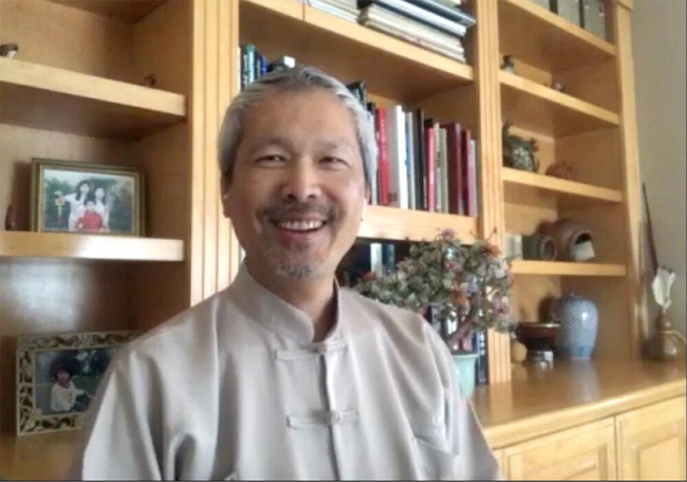 Cura com Amor e Espírito - Dr.  Mao entrevistado por Barbara Gaughen-Muller, presidente, Rotary - World Peace e-Club - Tao of Wellness 1