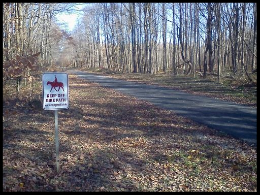 horse sign by picnic area.jpg