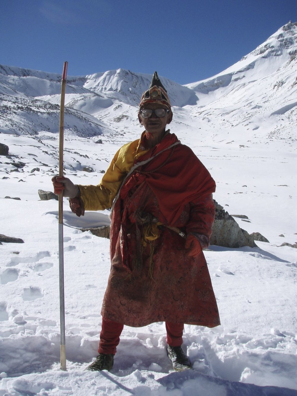 A Tibetan monk/pilgrim approaching the Dolma La Pass at 5,648m