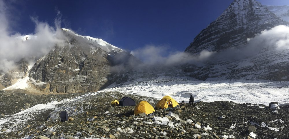 The Dhaulagiri BC in front of the Dhaulagiri I icefall.