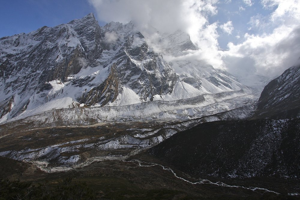 Naka Peak and Syache Glacier.  Manaslu mastiff from the north