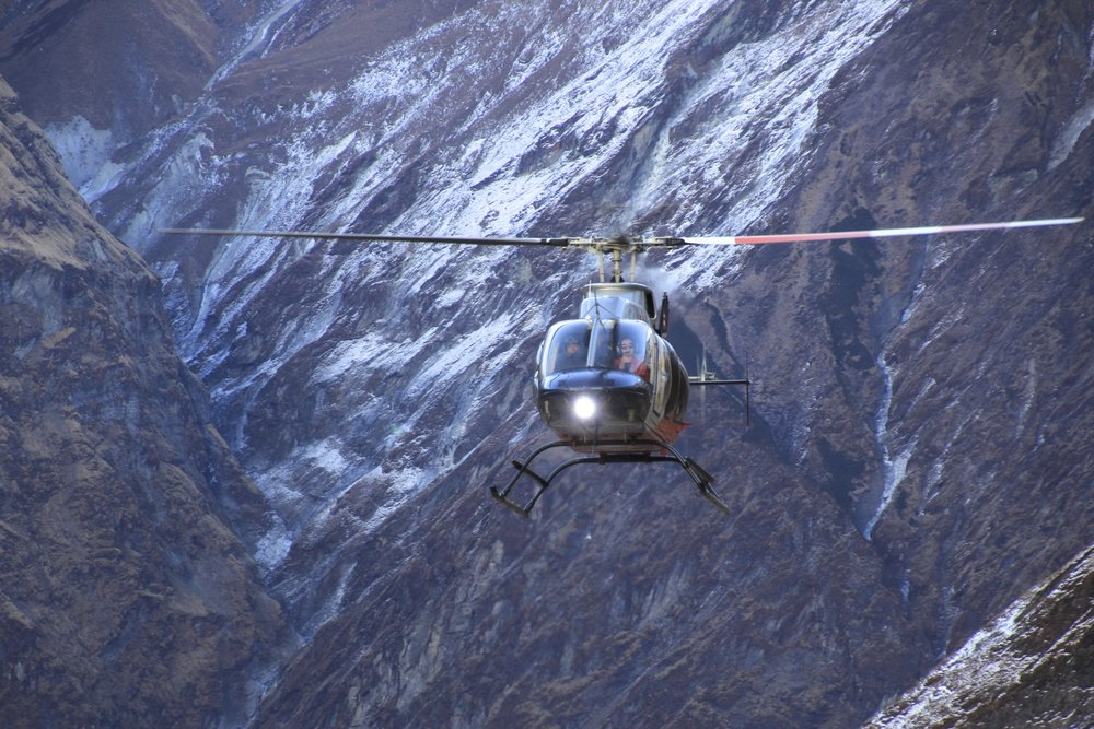 Our ride! The helicopter brings people from Pokhara for a short stay at the ABC. We managed to get a ride around the glaciers and then down to Pokhara for a very good price (it was impossible to say no :-)).