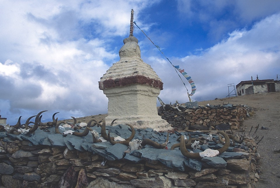 The stupas overlooking Lake Manasarovar. The stones have inscriptions of Buddhist prayers (they are called Mani Stones). The yak horns are also carved with prayer inscriptions (Om Mani Padme Hum).