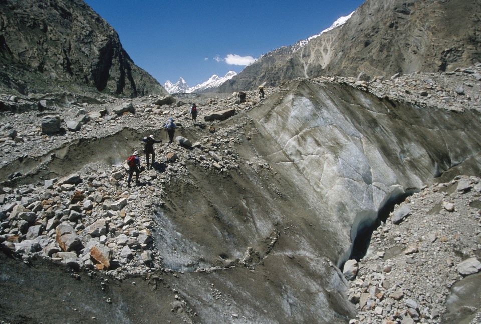 Day 1. Biafo Glacier - en route to Namla Brings camp.