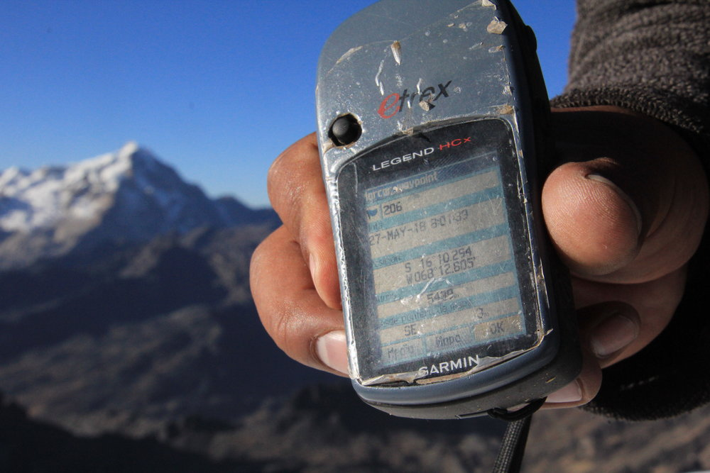 Summit of Pequeno Alpamayo.