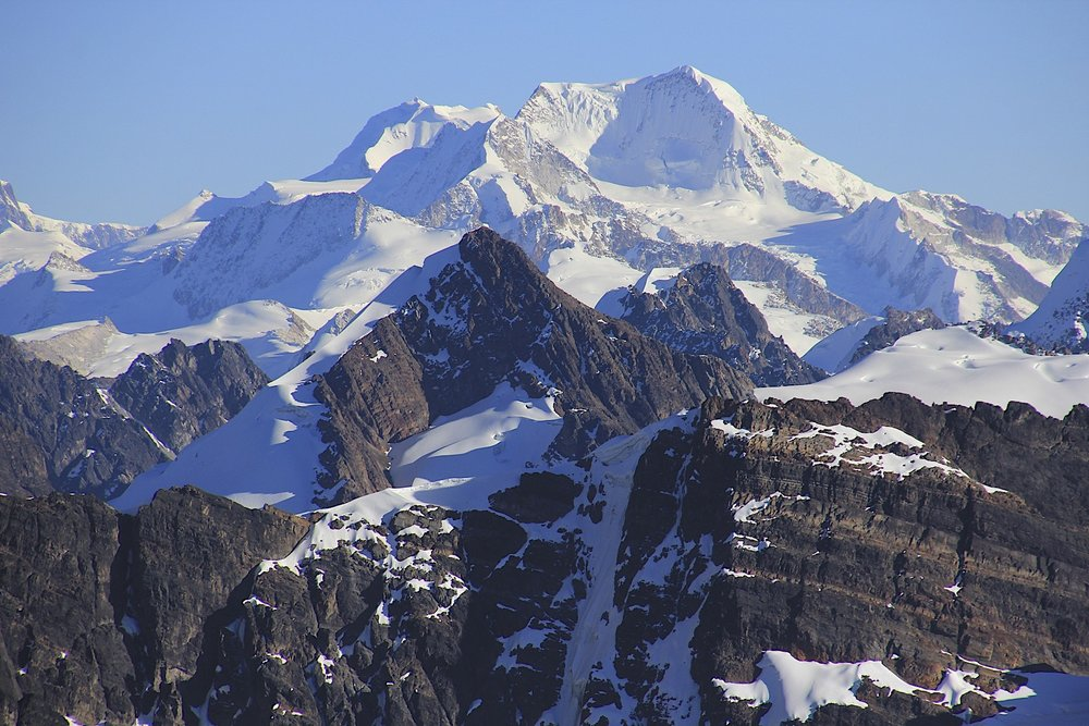 The large bulky mountain is Chachacomani 6,074m fromt he summit of Pequeno Alpamayo.