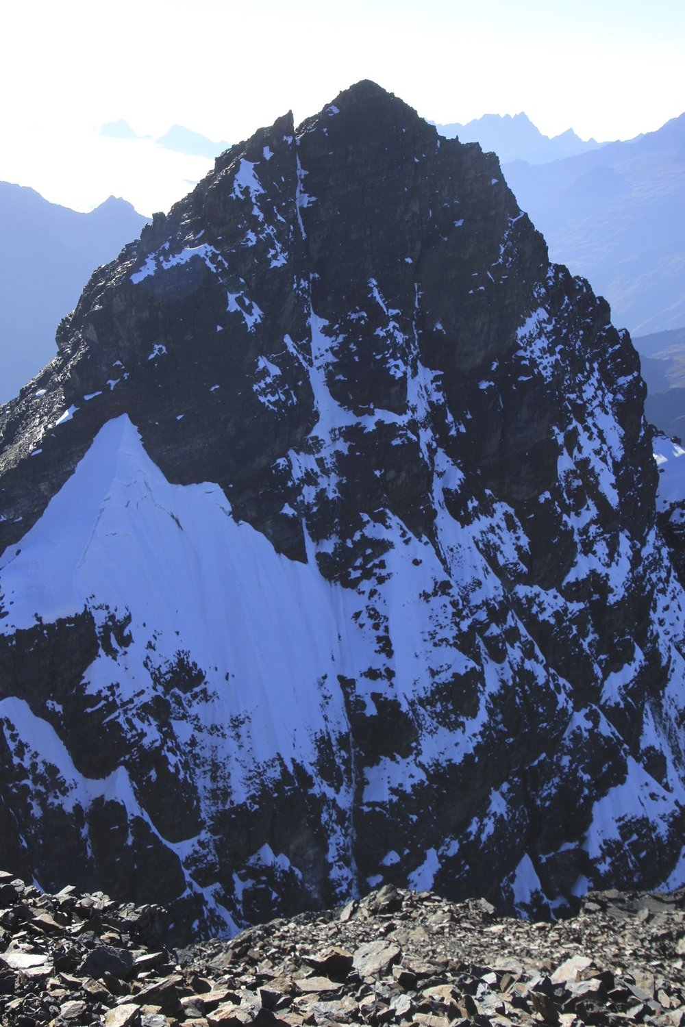 Innominado 5,320m seen from the summit of Pequeno Alpamayo.