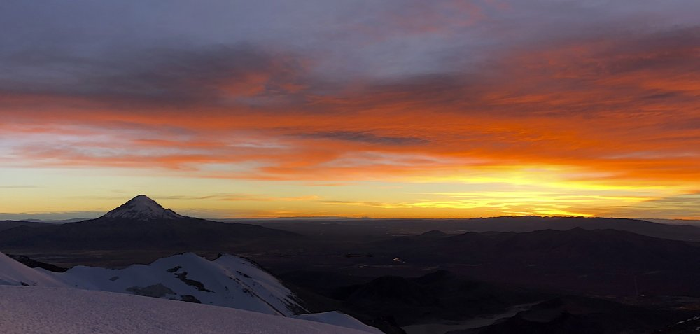 Volcan Sajama and sunrise on Acotango