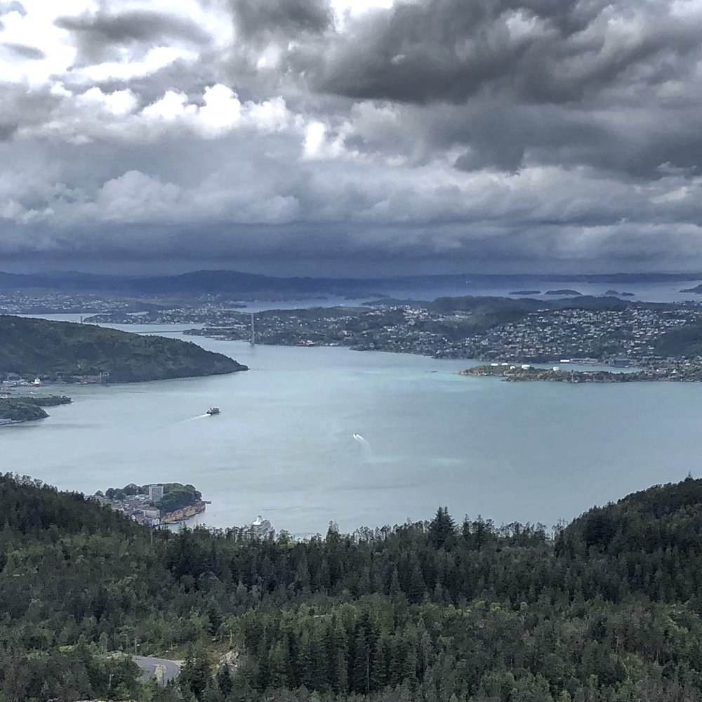 Bergen and the oncoming storm. 10 minutes later I was engulfed in a complete fog...