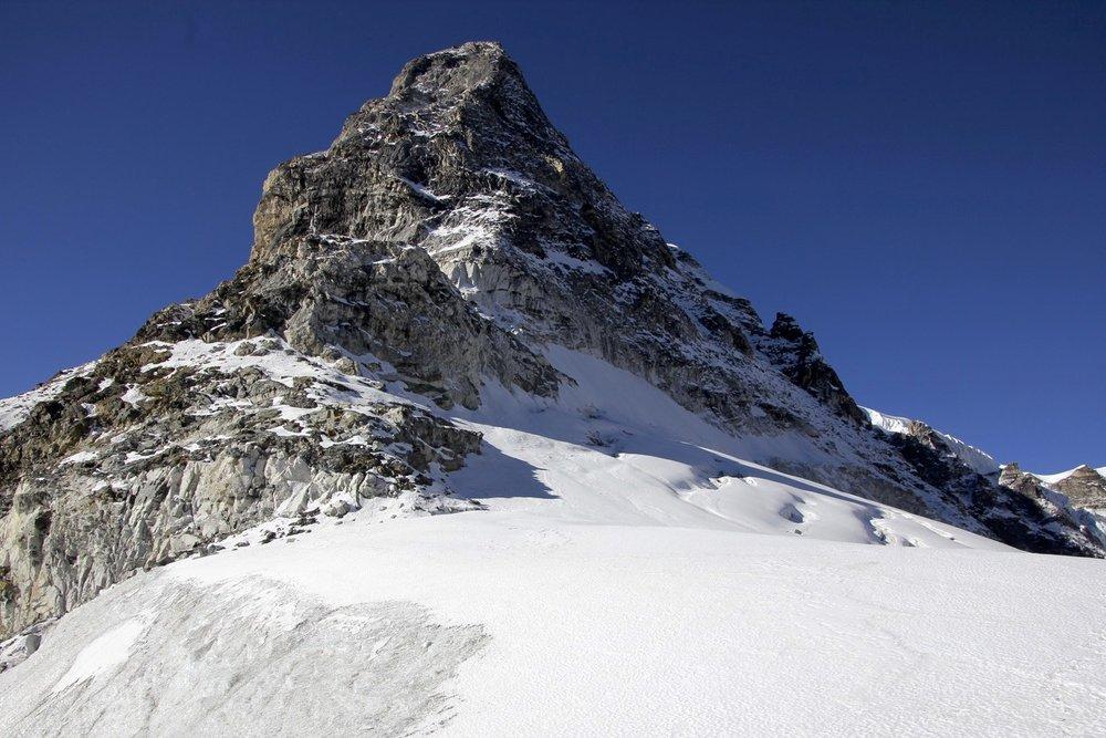 Tilman Pass 5,300m.