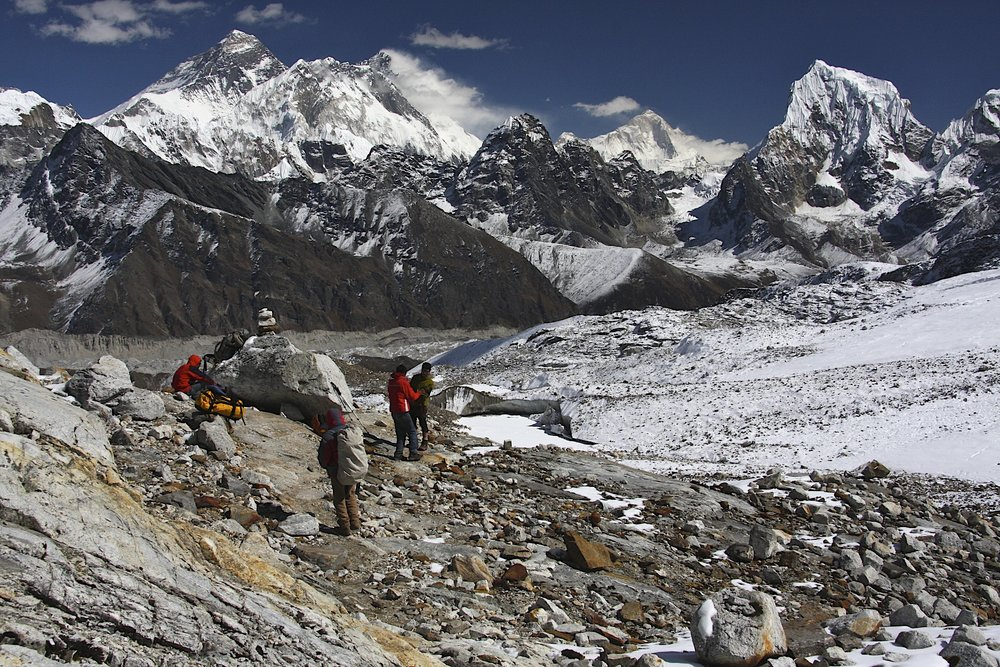 Descend from Renjo La Pass towards Gokyo