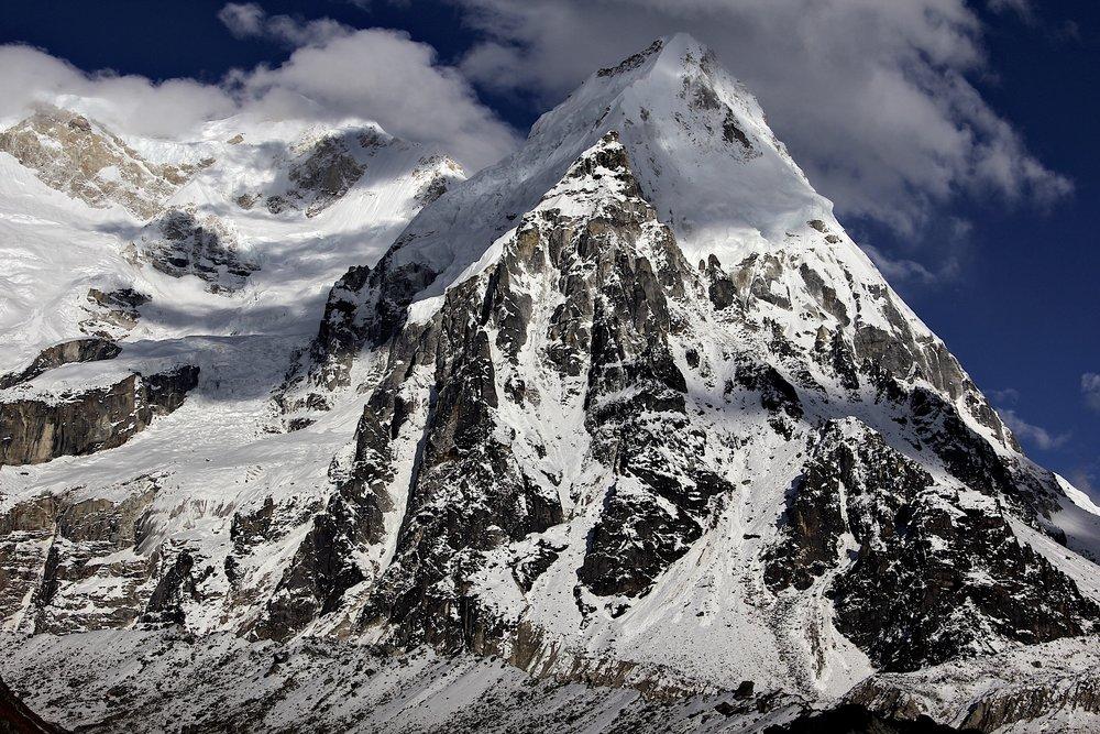 Ratong Peak 6,679m
