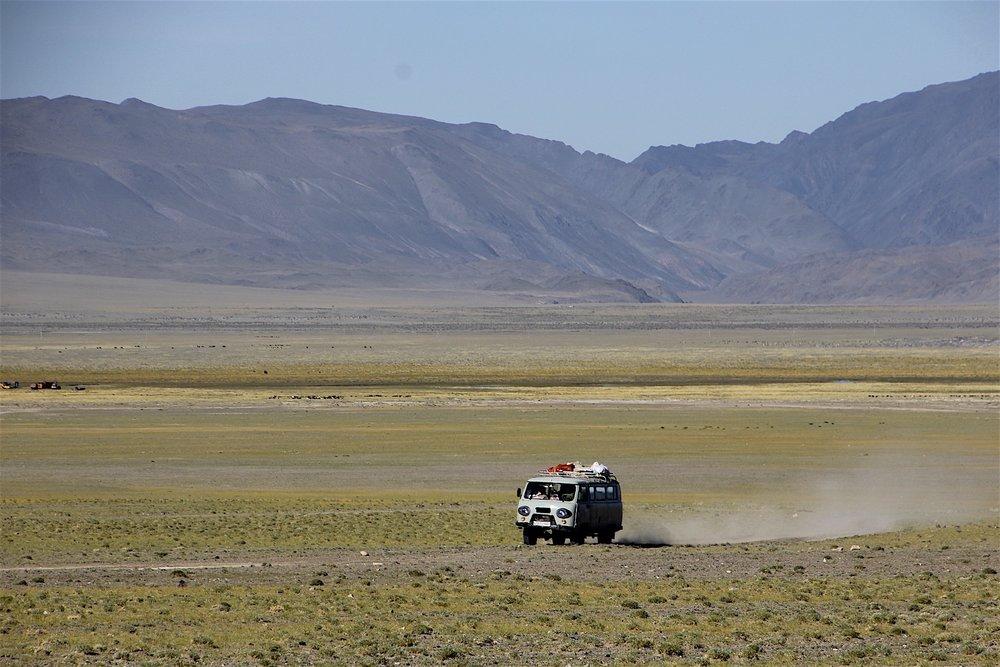 Little Laz vs Mongolian roads