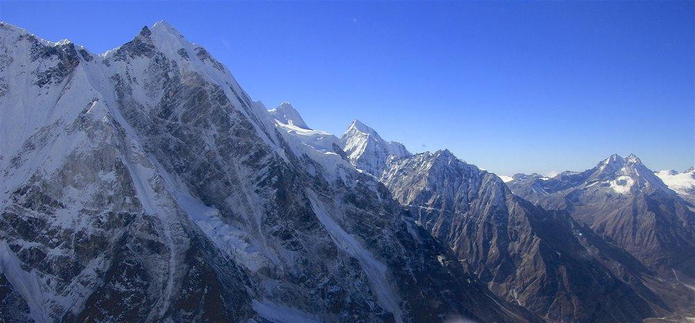 Mt. Lanshisa Ri (left) and Naya Kanga (right)