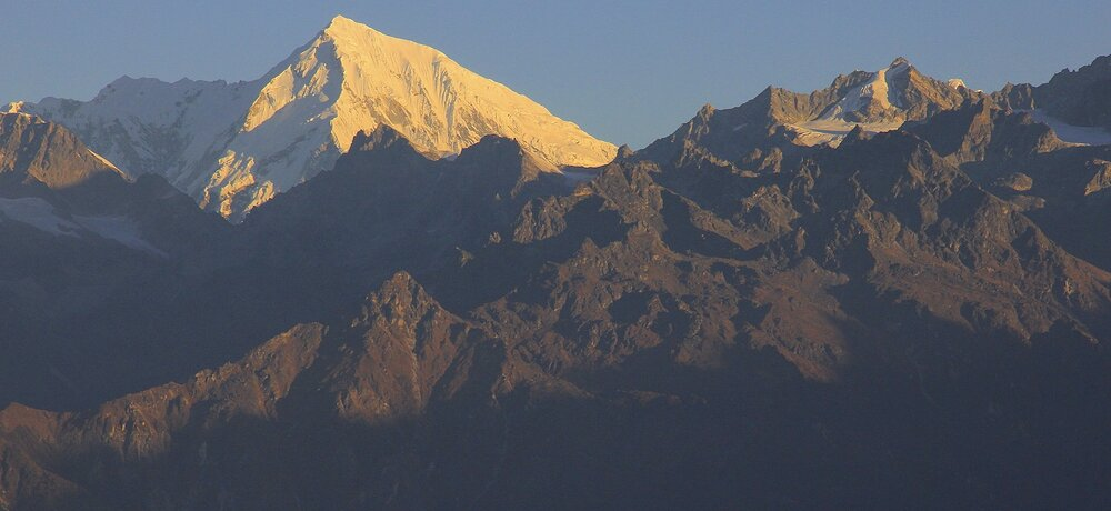 Langtang Lirung and Ganjala Pass (on the left) from the south.