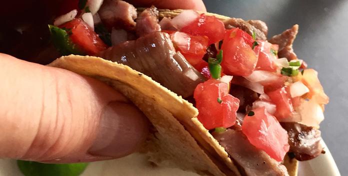 On-The-Grill-Tacos-al-Carbón-Parados-Parillón-Pasadita.png