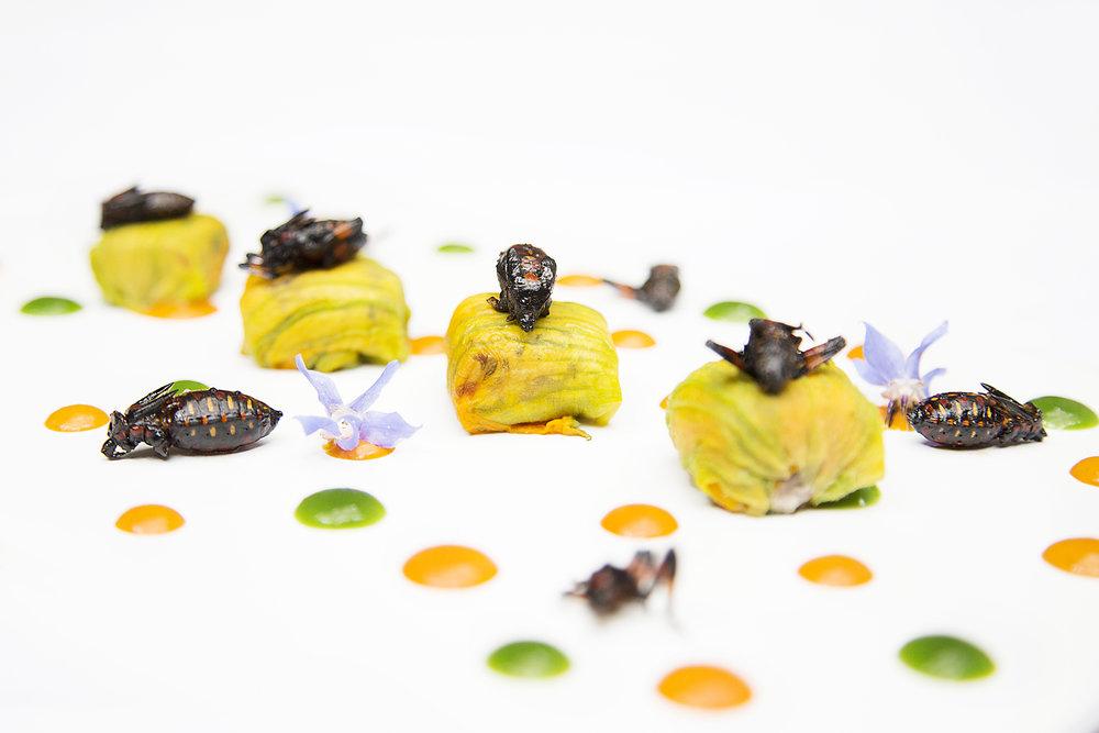 cocopaches y ravioli de flor de calabaza