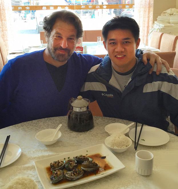 El autor con Luis Chiu en Chengdu