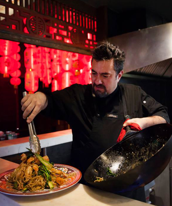 Chef Toño de Livier at wok (photo courtesy Chinaloa)