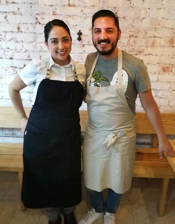 Chefs Elsa Olmos y César Vázquez