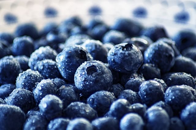 Whole blueberries