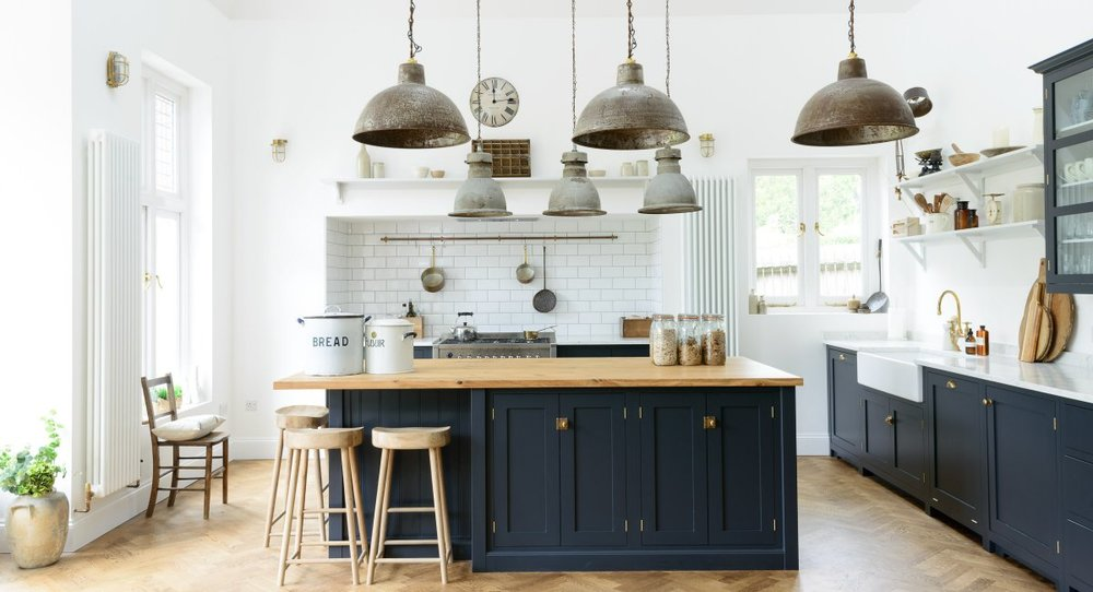 The Arts and Crafts Kitchen //  Source
