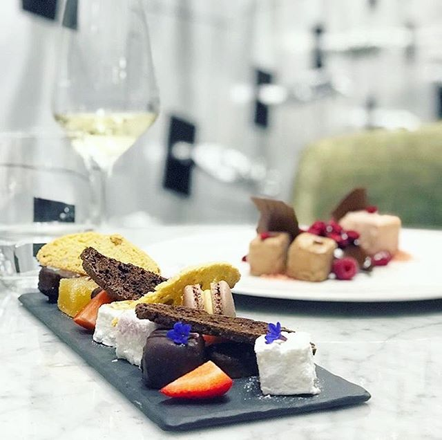WIN! Visit @lovewelly's latest post for your chance to win a date night for two... with us! Get in quick - there are only a few hours left to enter!🍴 📷 @lovewelly