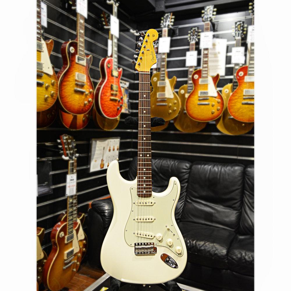 Pre Owned Fender John Mayer Signature Stratocaster Olympic White