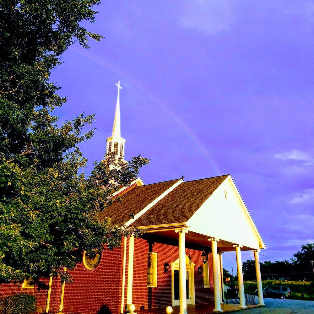 Iglesia y arcoiris