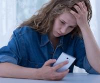 teen-GIRL-SAD-CELL-SEXTstress-720x600.jpg