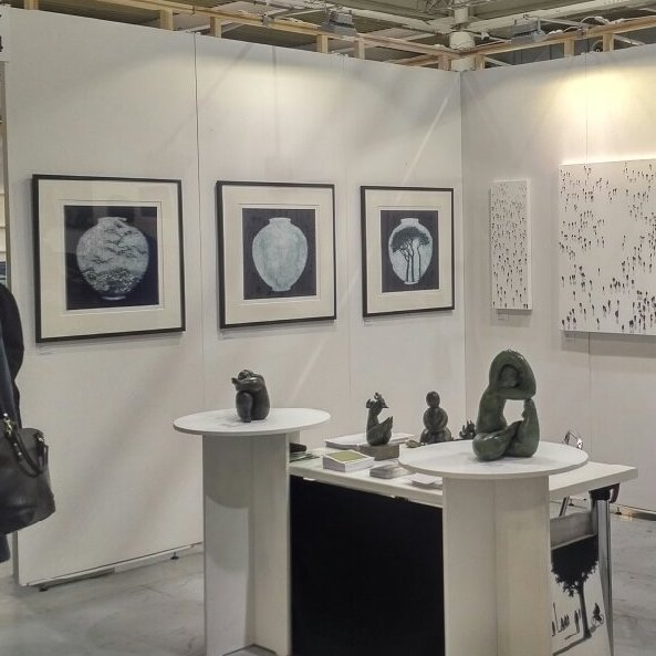 Moon Jar  series. Exhibited with Fine Art Consultancy at Milan AAF.