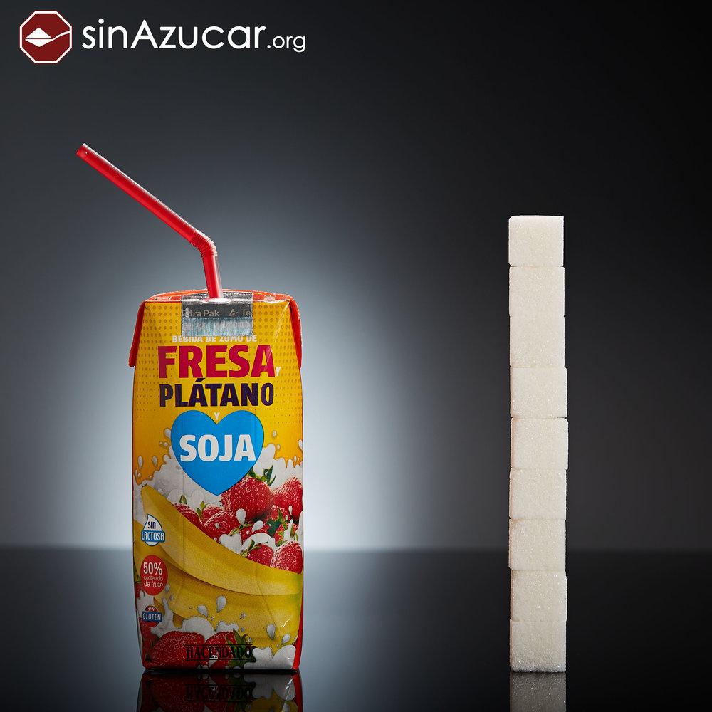 ¡No le deis esto de beber a los más peques!Fuente:  www.sinazucar.org