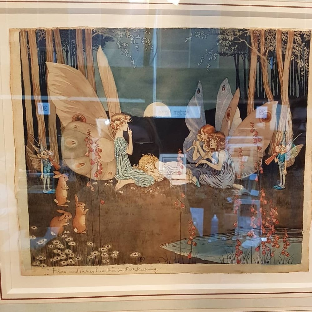 At the Melbourne #rarebookweek and I'm loving it! So may beautiful pieces! Amongst my favourites is this original watercolour by Ida Rentoul Outhwaite. It's so good to see in person! Another favourite is the Chaucer book by Kelmscott Press. Thanks @rovinacai for reminding me of this event 😁♥     #rarebooks #idarentoulouthwaite #kelmscottpress #artistlife #july2018  (at The University of Melbourne)