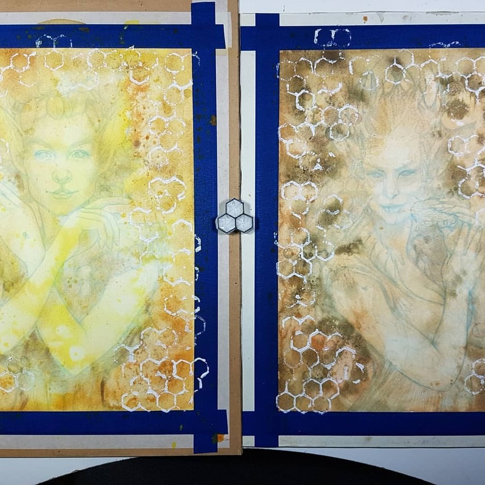 Here's some work in progress for the Changeling Artist Collective Odd Fae card game. On the left is the Seelie Honeycomb  Fae and on the right is the Unseelie Honeycomb Fae. @changelingartist     #honeycomb #faery #seelie #fantasyillustration #fantasyart #belindaillustrates #australianartist #melbourneartist #may2018