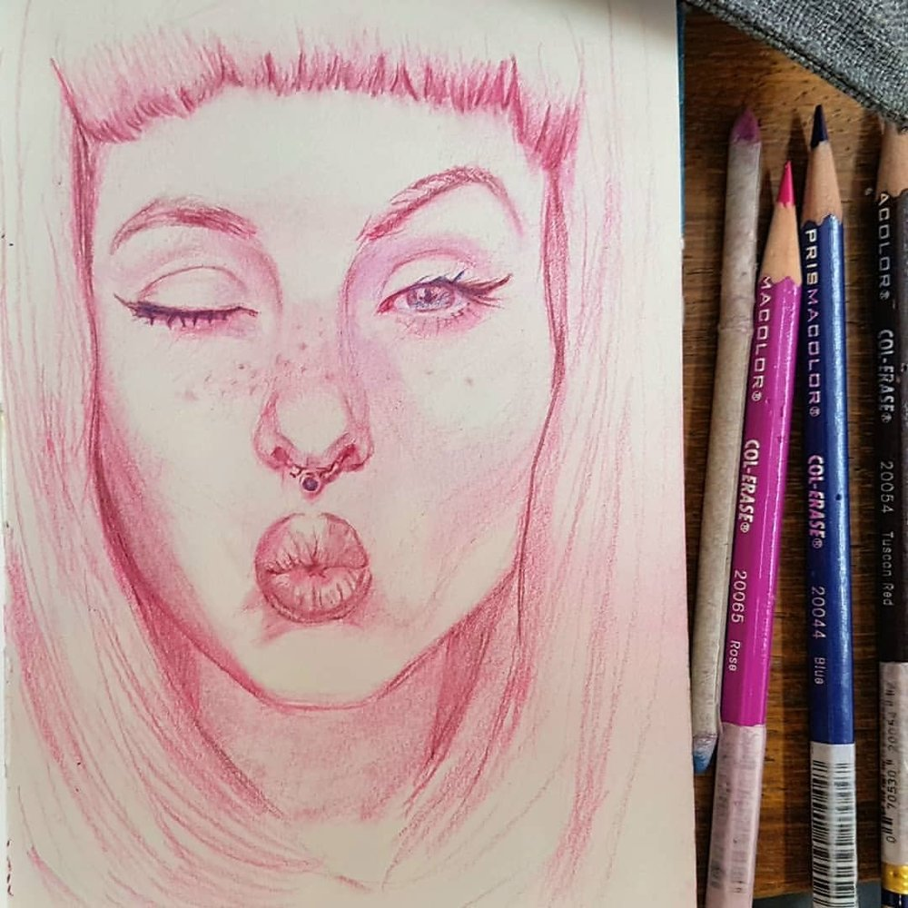 Kiss kiss! Day 19 of #30faces30days featuring the gorgeous face of Madison Bradley #fridayface     #pinkhair #kiss #sketchbook #portrait #february2018 #dailysketches #australianartist #melbourneartist #belindaillustrates #kunst @sktchyapp