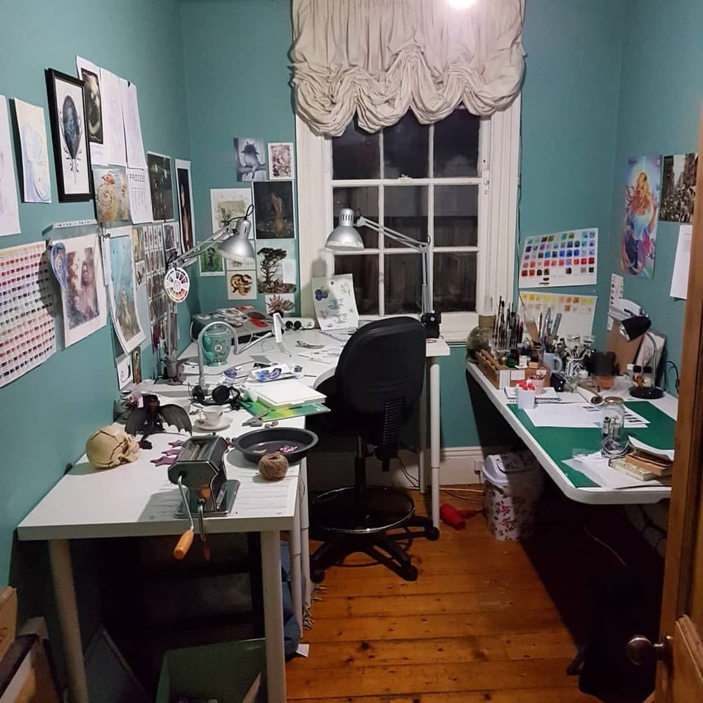 The current view of my studio. Things have been a bit stressful with Christmas coming and as my day job is working in retail I'll be working right up to Christmas eve 😣 oh well I hope everyone is having a great week and will have a great Christmas Day ❤🎄    #artstudio #artlife #australianartist #melbourneillustrator #melbourneartist #december2017 #christmas2017