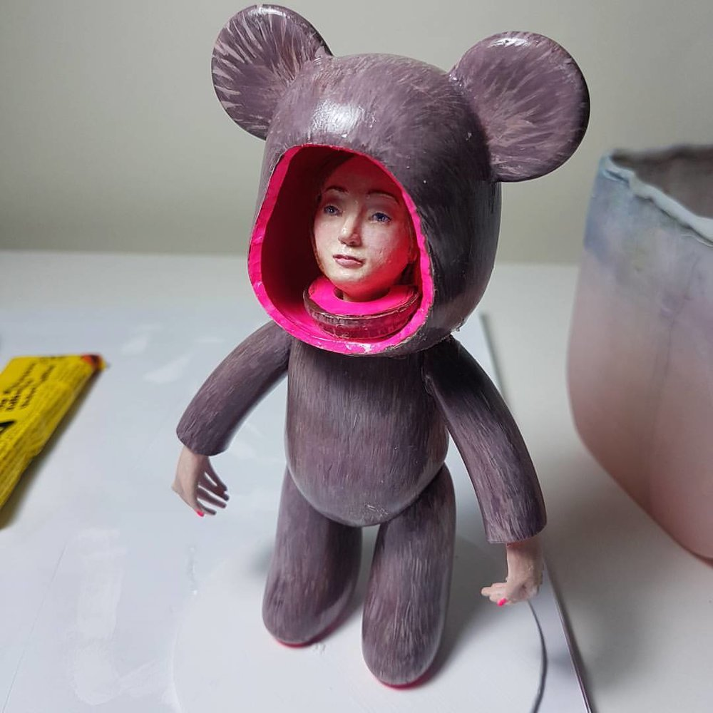 She's nearly finished 😁 #toytotheworld2017 #popobebear #charityauction #sapsorrow #1000furs #grimm #fairytale #customvinyl #beargirl