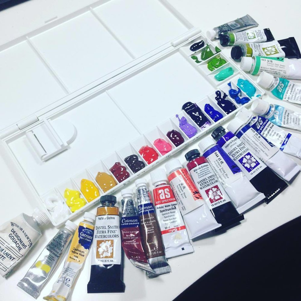 Setting up a new palette 😁❤️ yay some new colours! And yes I do like a wide range of brands 😉 #danielsmith #windsorandnewton #cotman #artspectrum #holbein #newpalette #watercolor
