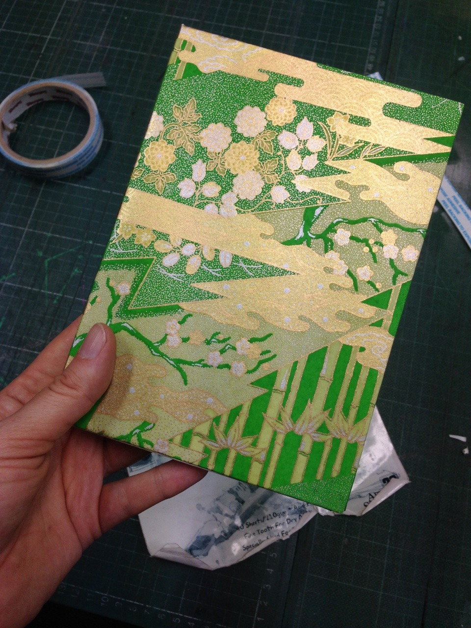 Just covered my sketchbook in this beautiful Yusen Chiyogami paper so inspired ☺️