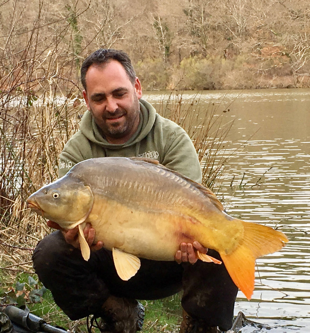 customer_catch_28lb_carp.jpg