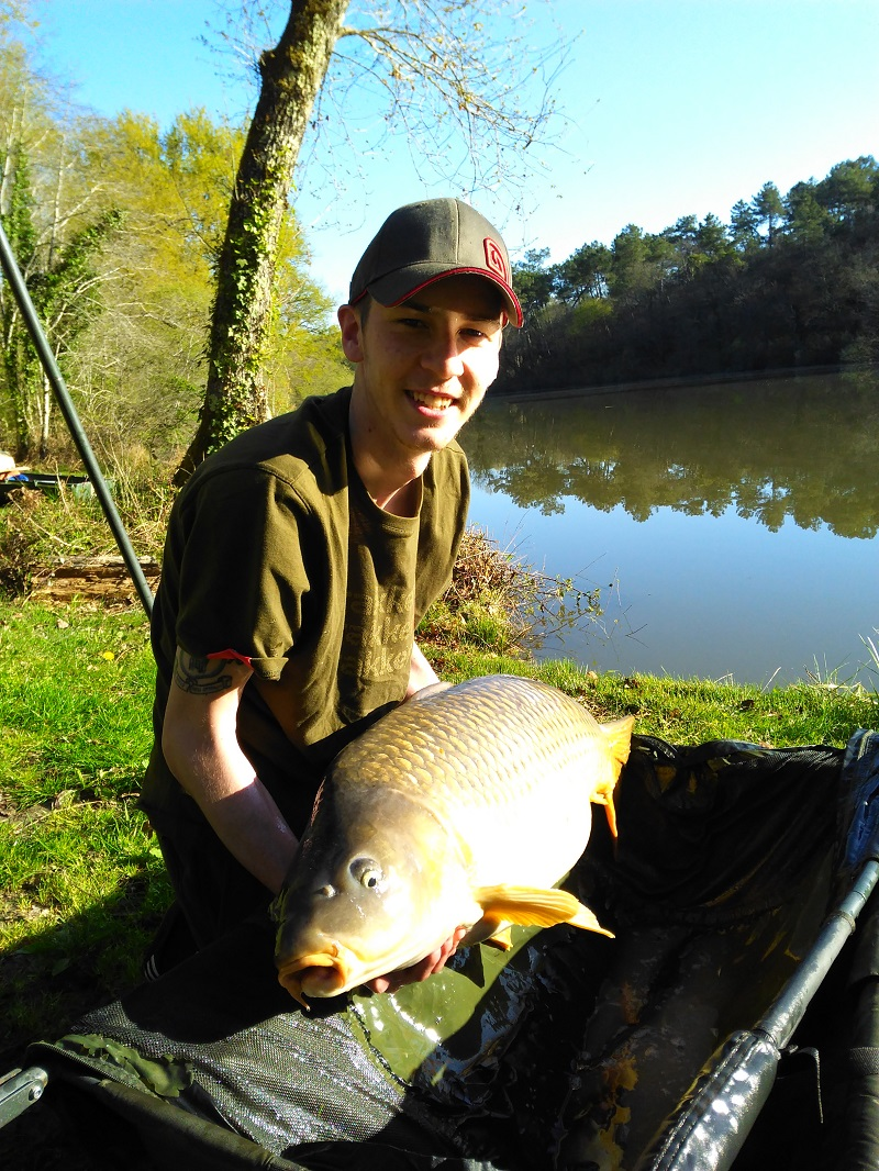 customer_catch_41lb_carp.jpg