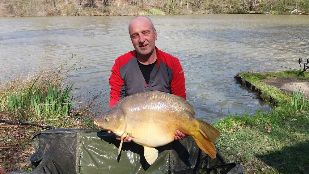 customer_catch_35lb_carp.jpg