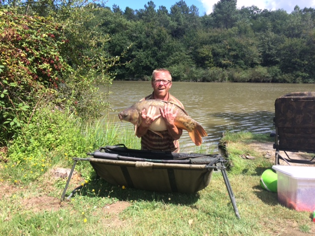 customer_catch_carp_33lb.JPG