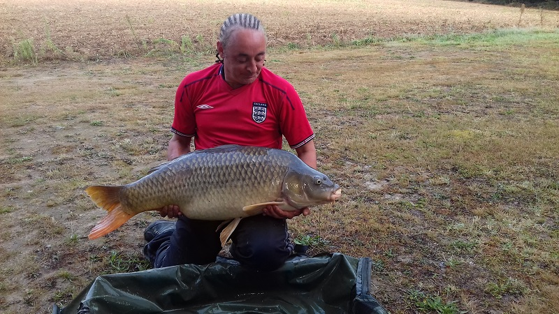 customer_catch_carp_39lb_2.jpg