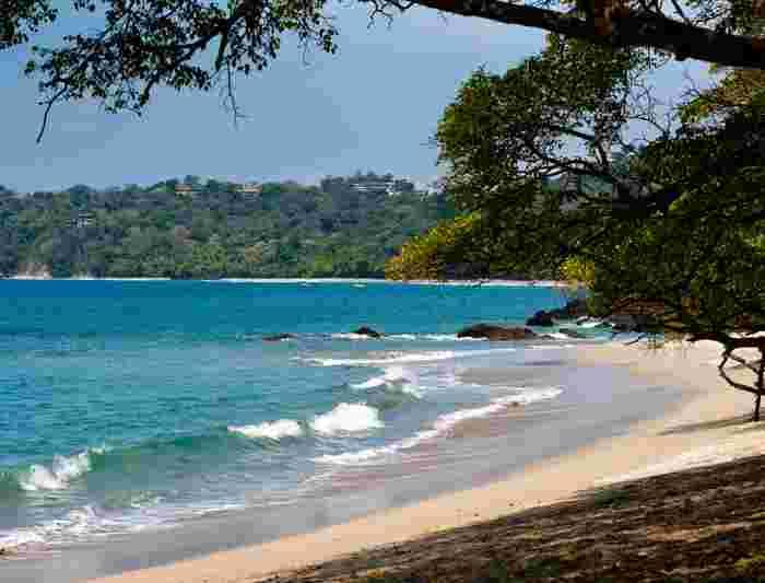 costa-rica_Manuel-Antonio_beach.jpg