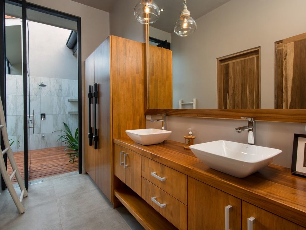 CR bathroom.jpg
