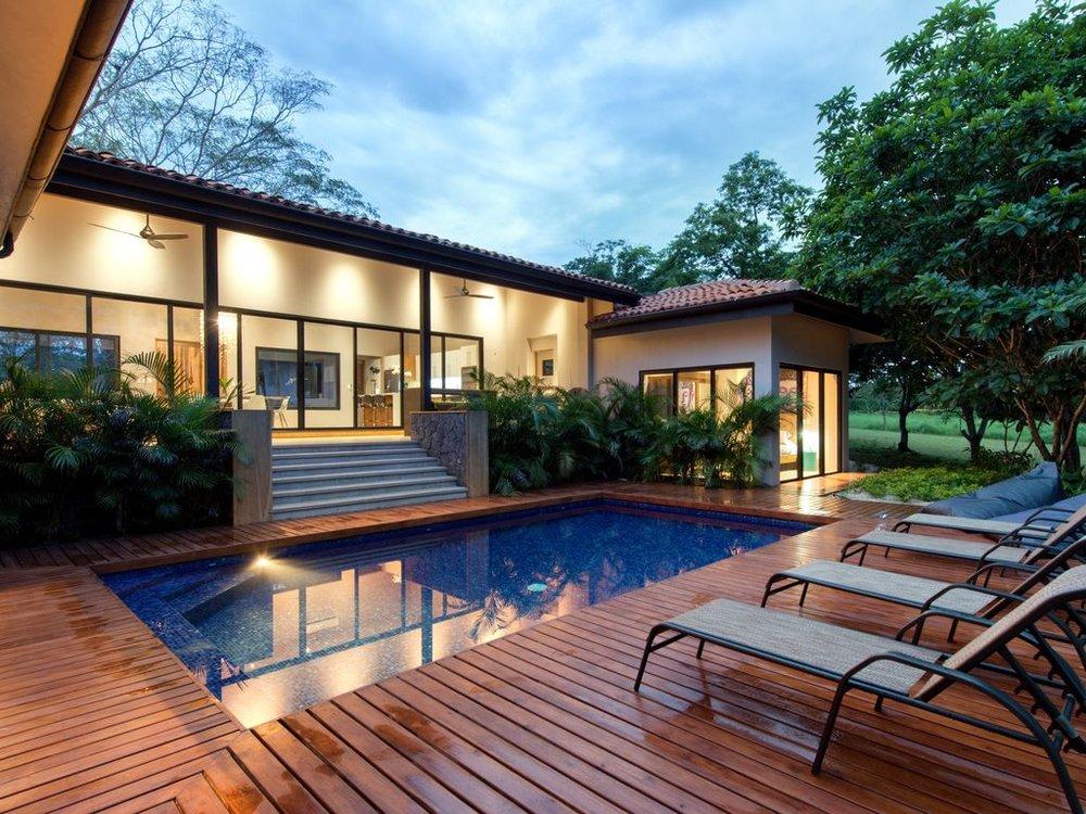 CR villa pool.jpg